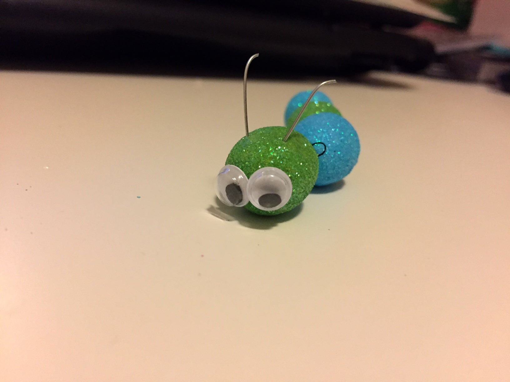 Ugly bug ball caterpillar tutorial
