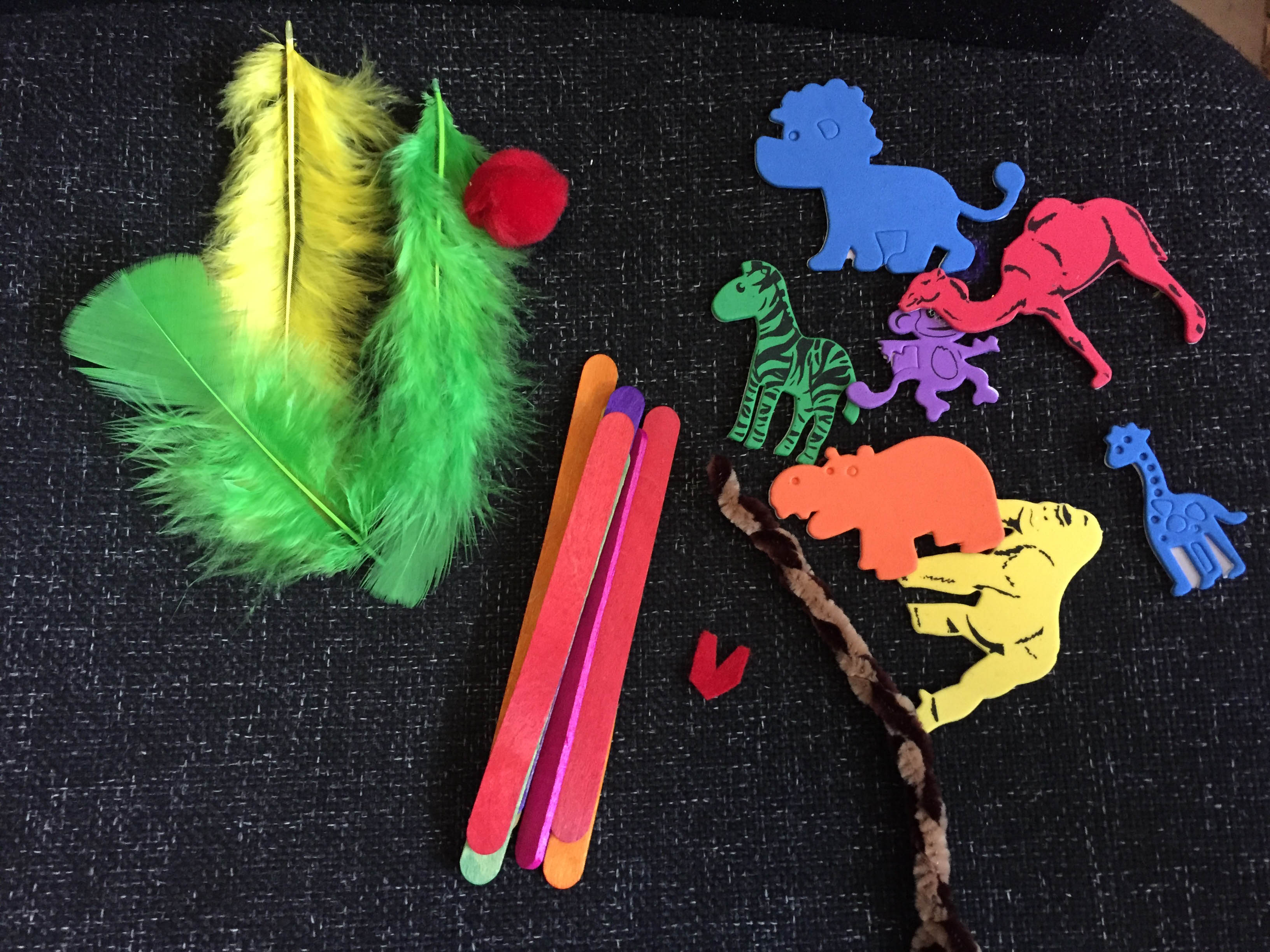 Bostik jungle puppet craft